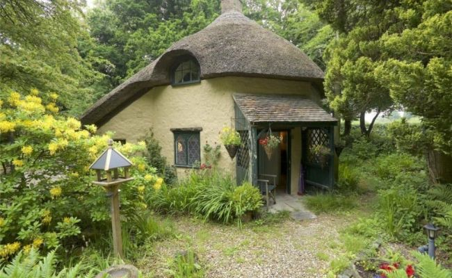 Tiny Homes For Sale 5 Of The Uk S Smallest Properties To