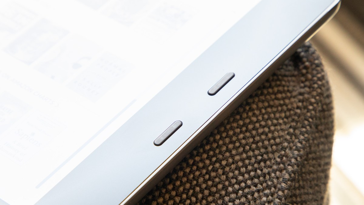 Kindle Oasis 2019 review: buttons