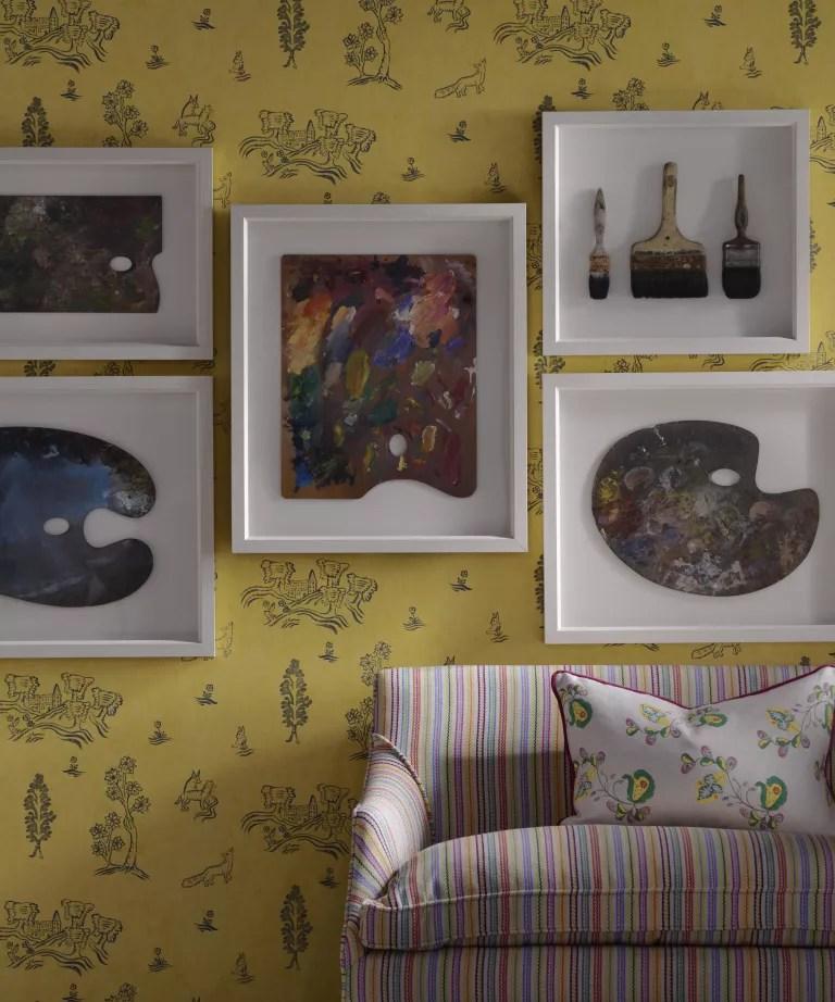 Yellow living room wallpaper