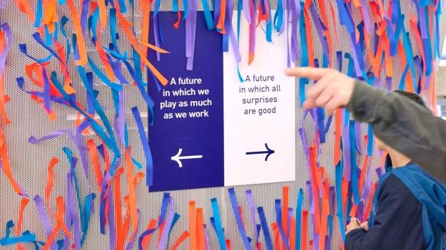qYTSG83tGVxeQqiEAjxMU7 How to transform a design internship into a job Random
