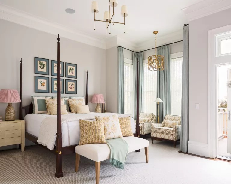 Bedroom accent wall ideas with art