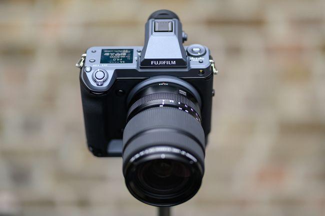 مراجعة للكاميرا العملاقة Fujifilm GFX 100 هذا ما تحتاجه للتصوير الإحترافي 3