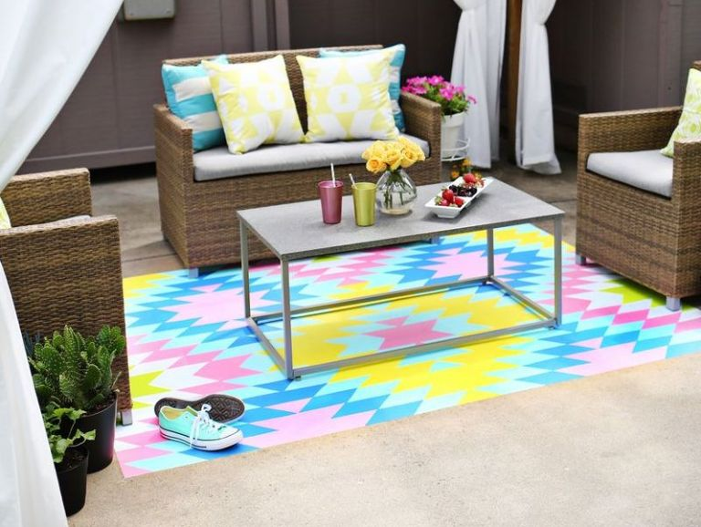 this painted outdoor rug idea will