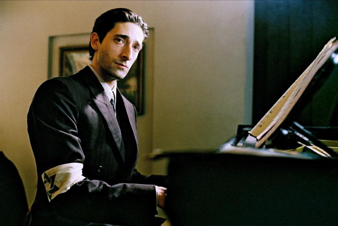 Adrien Brody in The Pianist, one of the best netflix war movies