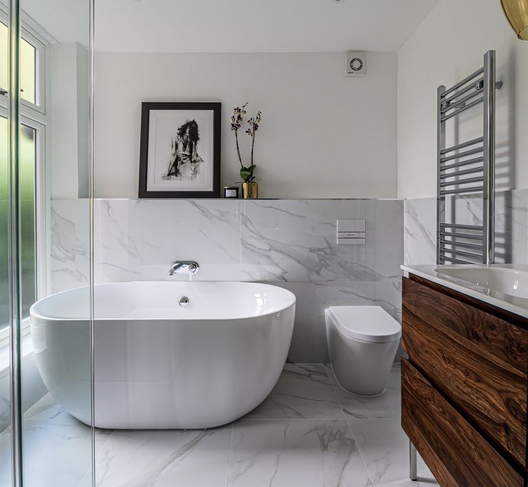 8 Enviable Minimalist Bathroom Ideas To Swoon Over Real Homes