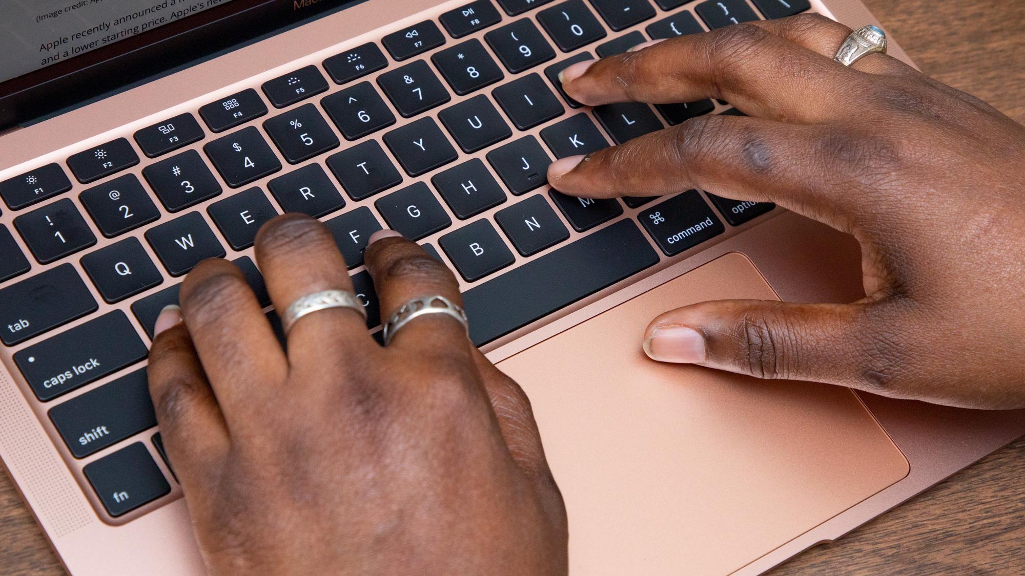 MacBook Air vs Pro: Keyboard