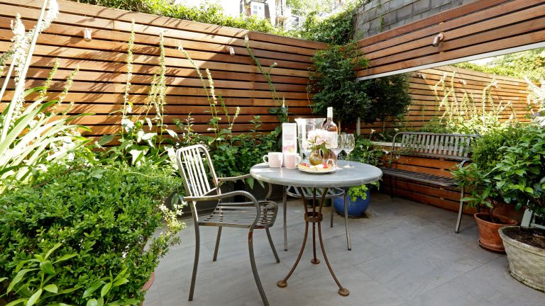 ideas for awkward shaped gardens 15