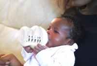 Newborn Baby Bottle Feeds Herself At Three Days Old ...