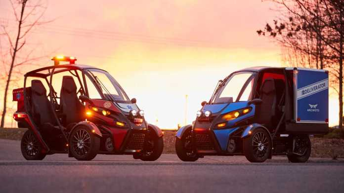 Arcimoto Rapid Responder (left) and Deliverator (right)