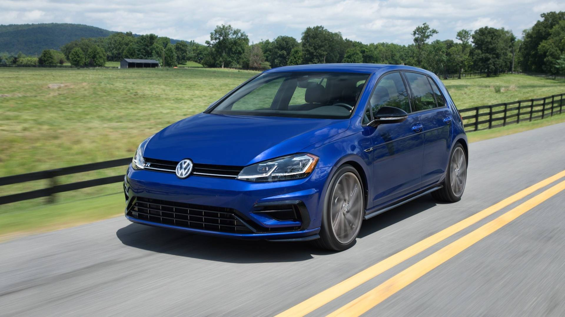 hight resolution of mk8 golf r