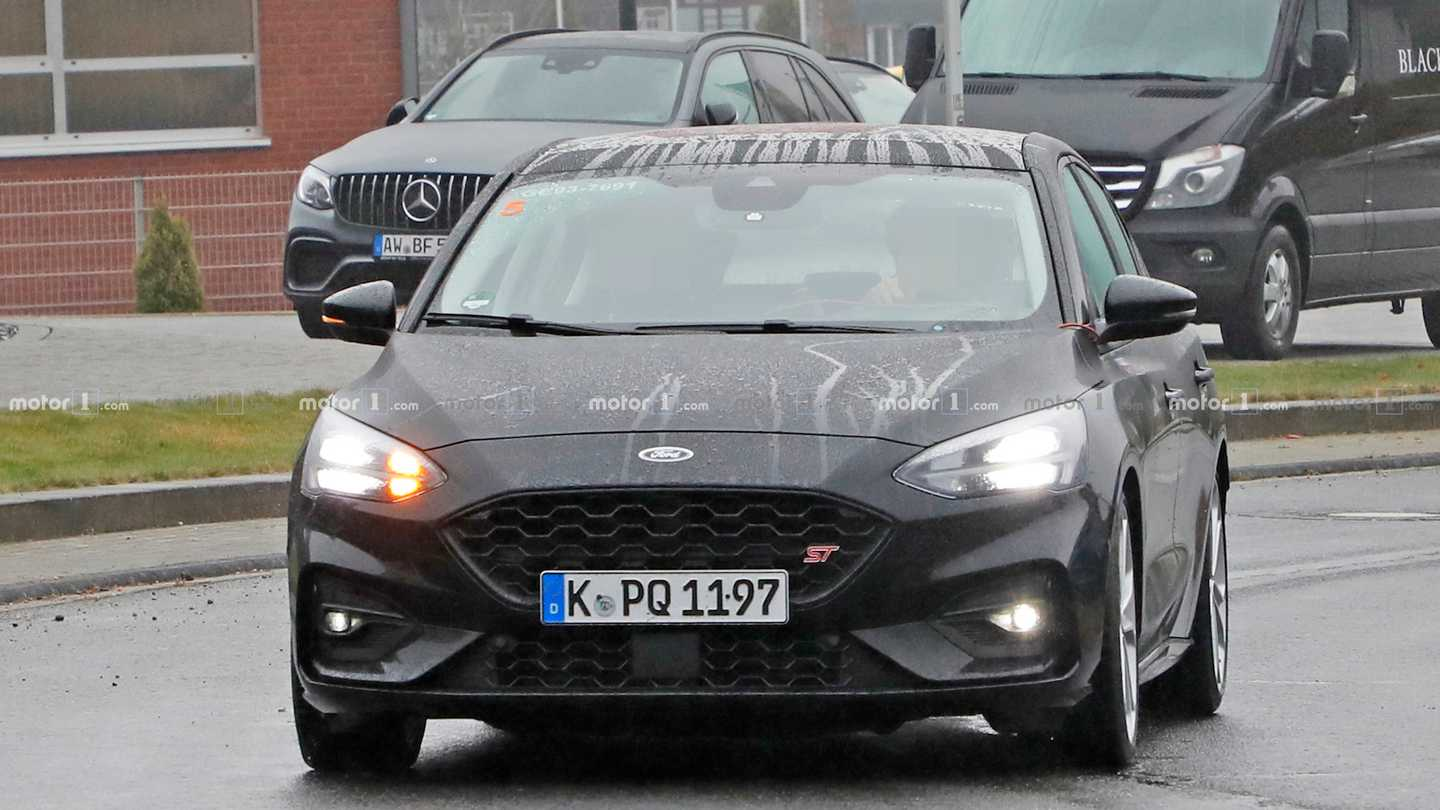 Ford Focus St Spied