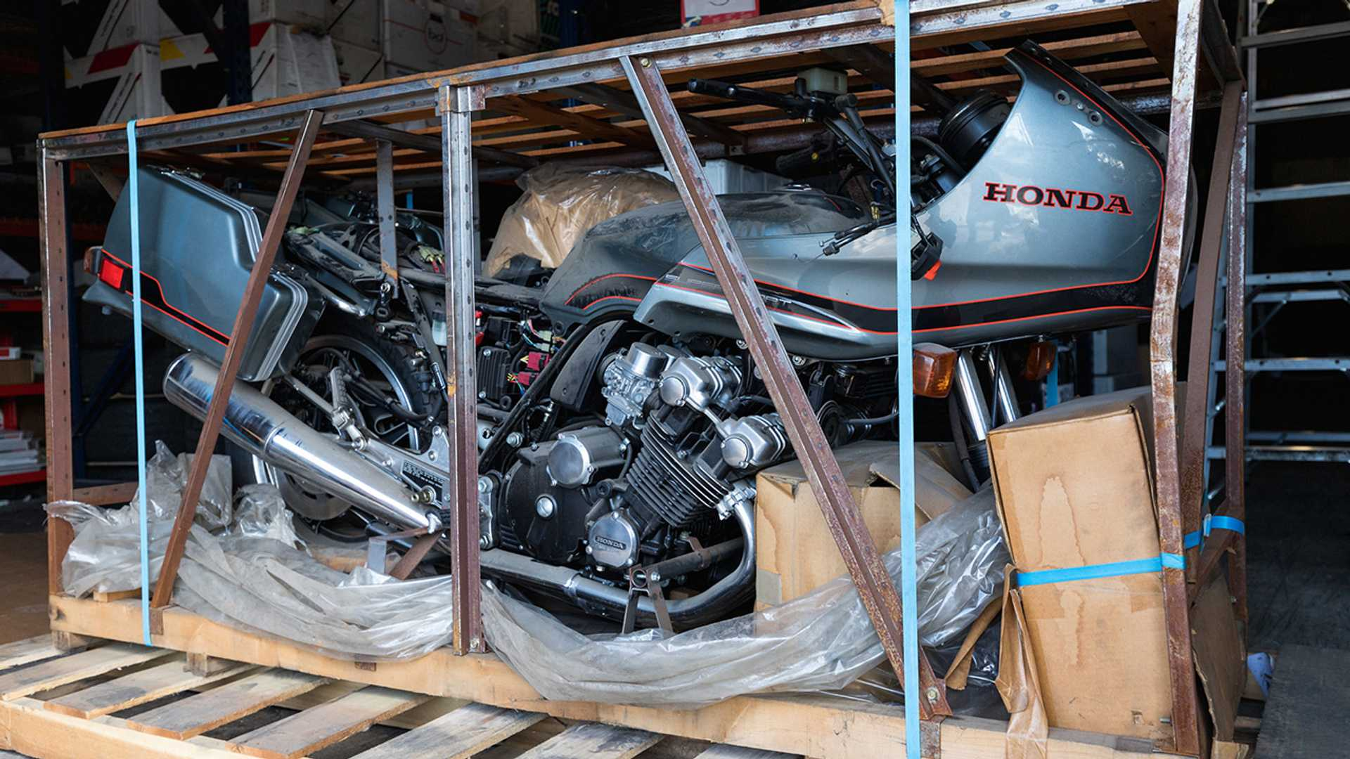 hight resolution of the 1981 honda cbx shows up at an auction once more