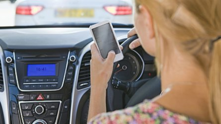 drivers using phones traffic safe