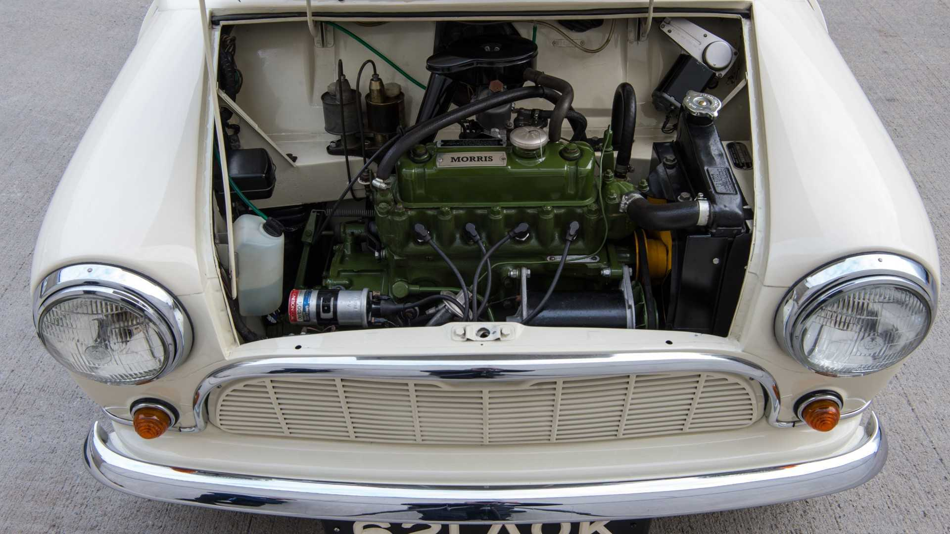 hight resolution of  classic mini