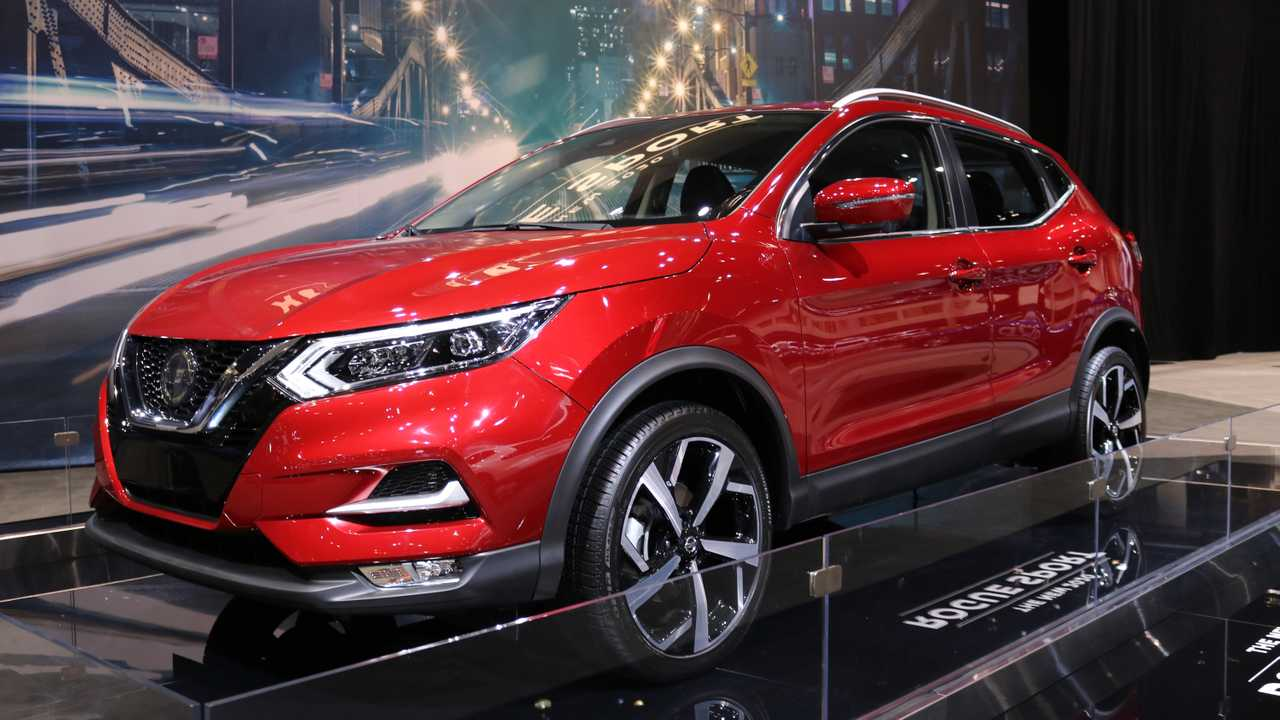2020 nissan rogue sport brings a fresh face to chicago video