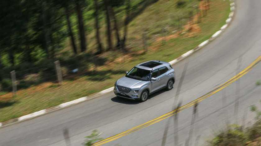 Hyundai Creta Platinum 1.0T 2022 on the go