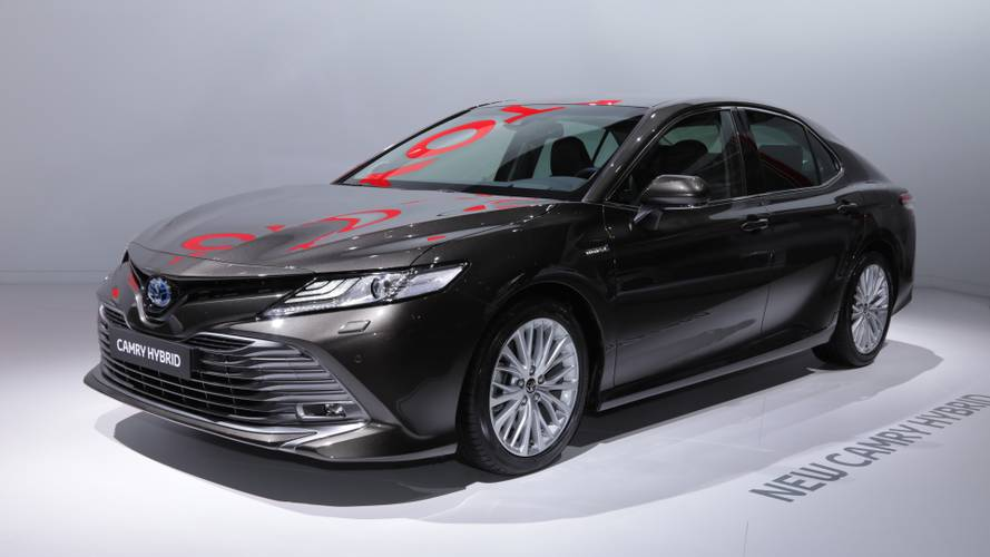 all new camry hybrid spesifikasi agya trd toyota euro spec in paris is an overdue avensis replacement