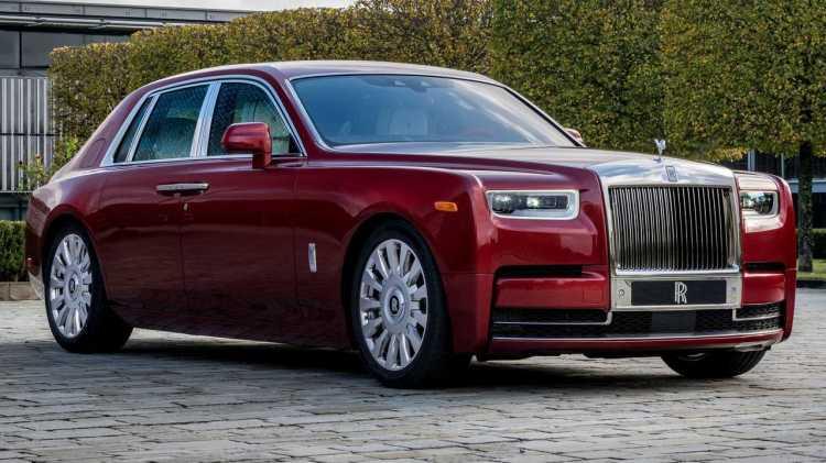 Este Rolls-Royce Red Phantom se subastará por una buena causa