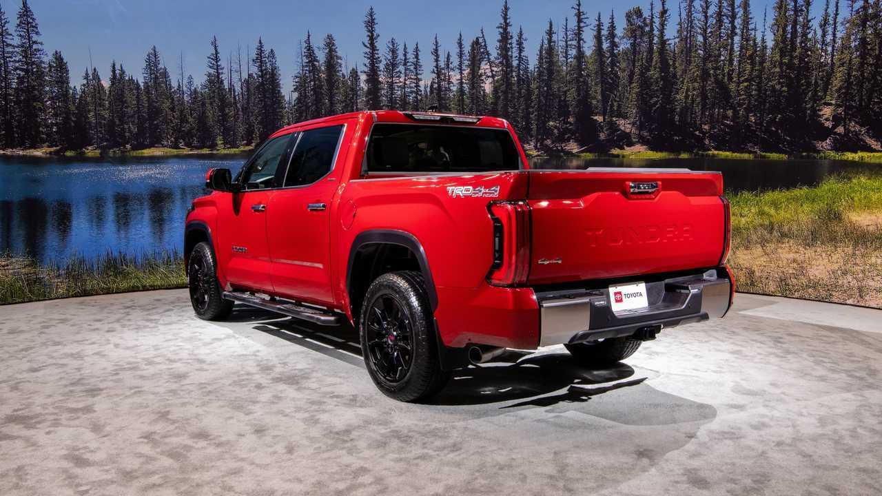 2022 Toyota Tundra Limited TRD off-road rear rear