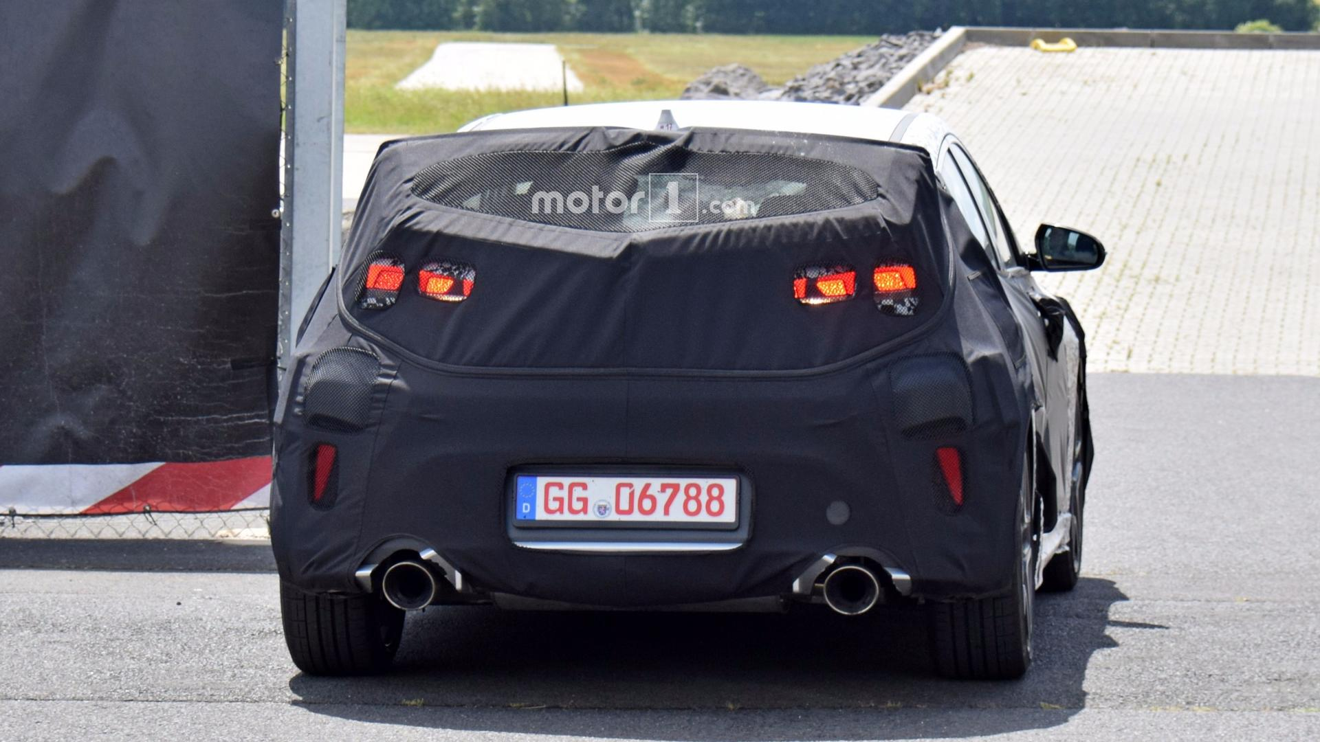 hyundai veloster spied with massive