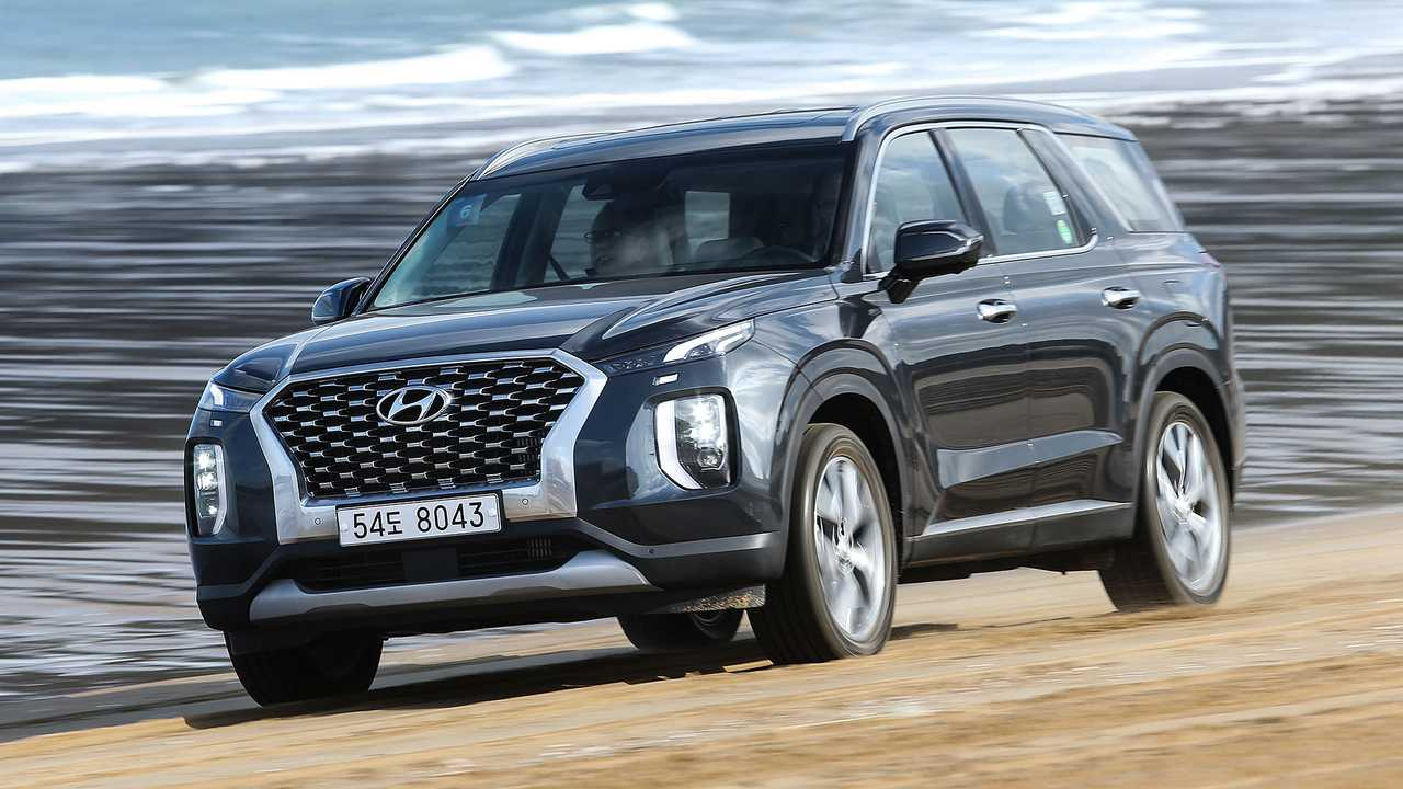 The 2021 chevrolet traverse and the 2021 hyundai palisade offer space, power, and comfort for up to. 2020 Hyundai Palisade Prototype First Drive Korea S Flagship Suv Delights
