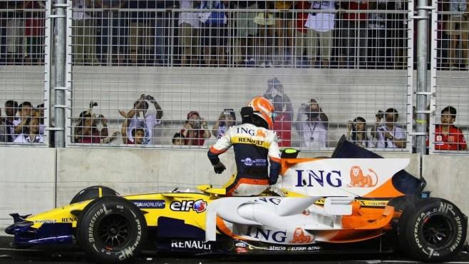 Image result for singapore f1 crash 2008