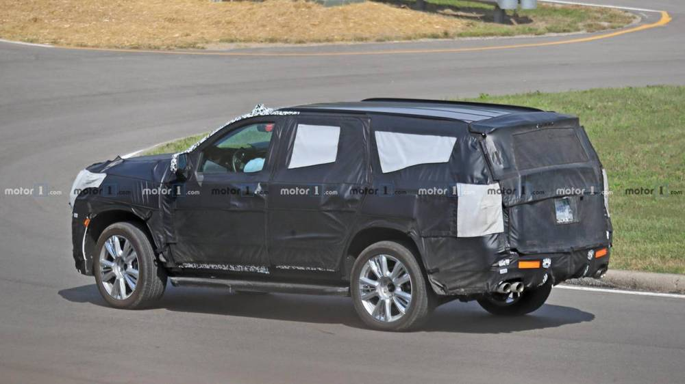 medium resolution of 2021 chevrolet tahoe and suburban could be next gen models 2021 chevy tahoe