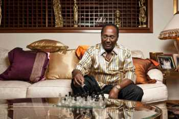 Watu wa bedsitter kaeni kando: Aerial view of Kirubi's mansion – Photos