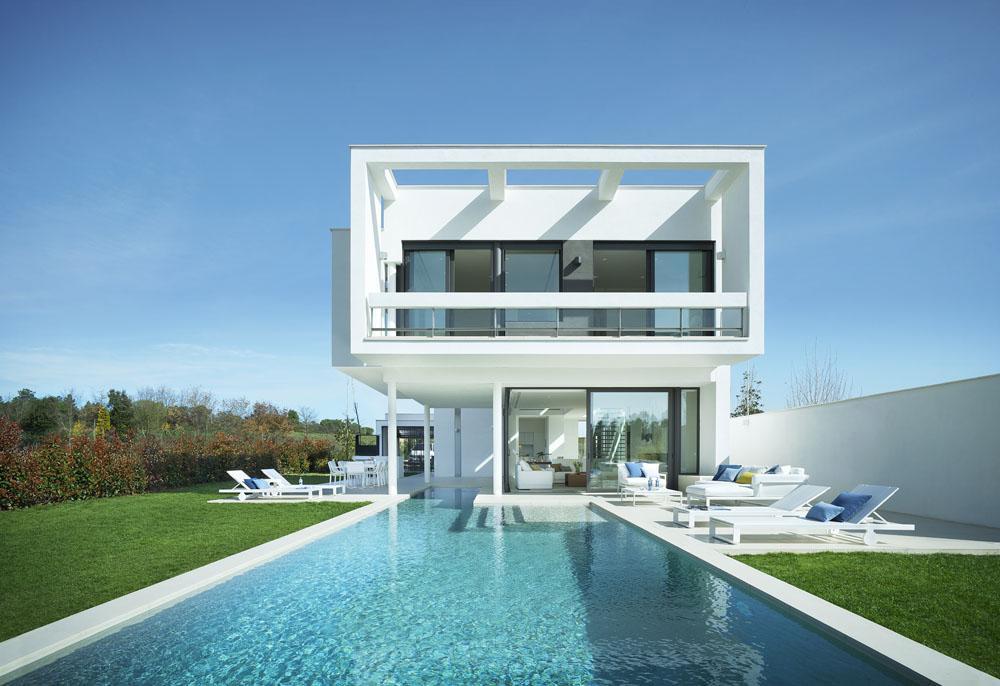 Moderne Villa in Catalunya Spainien  MRGOODLIFE
