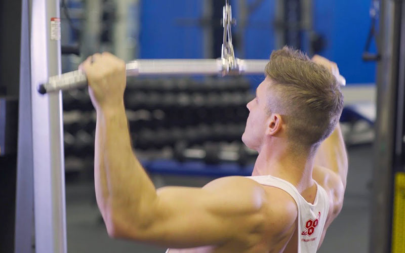 Lat Pull Downs Vs Pull Ups: Which One Builds A Bigger Back?