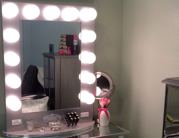 Vanity Girl Hollywood Mirror & Mirrored Table