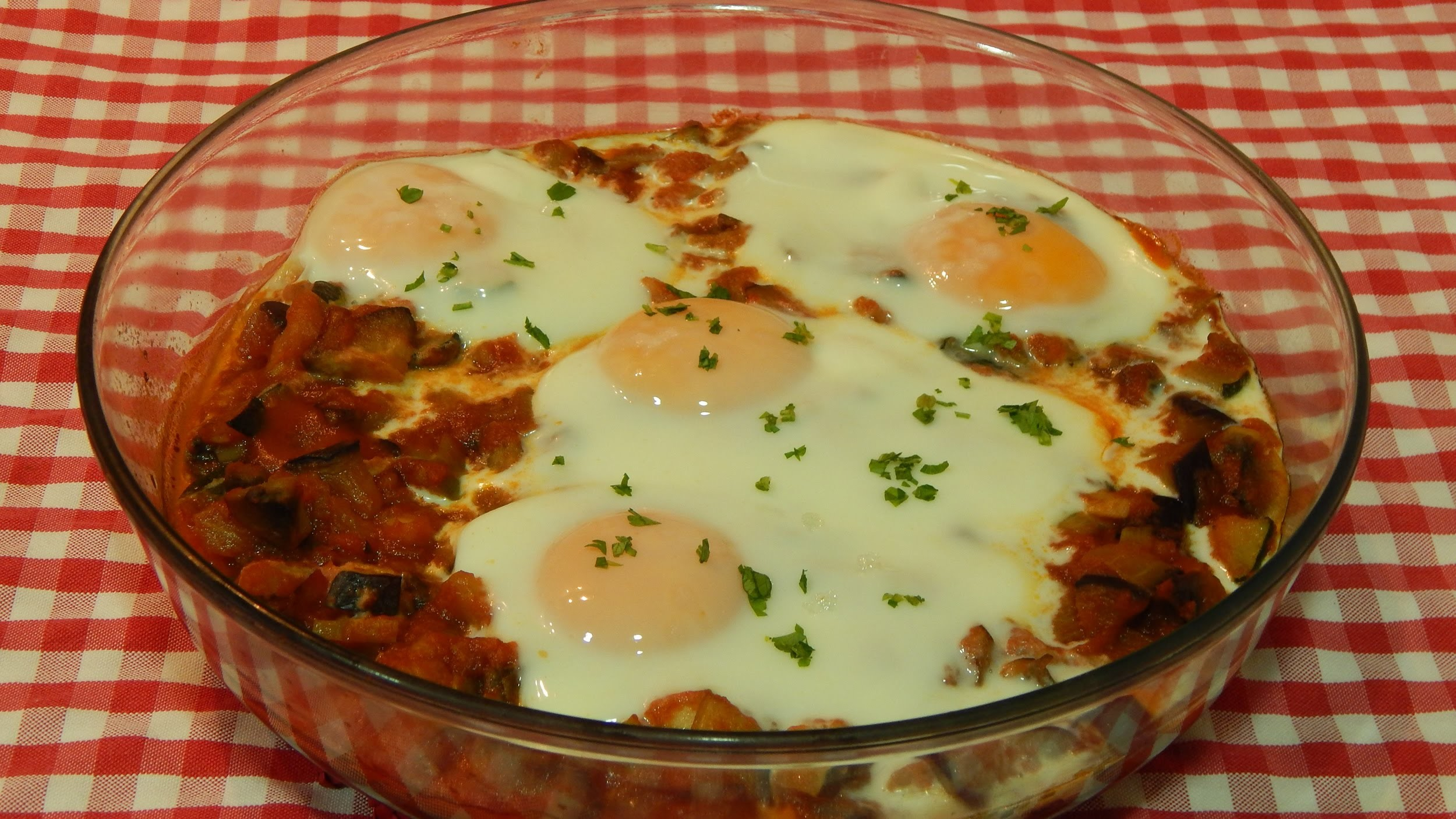 Huevos al horno con verduras receta fcil