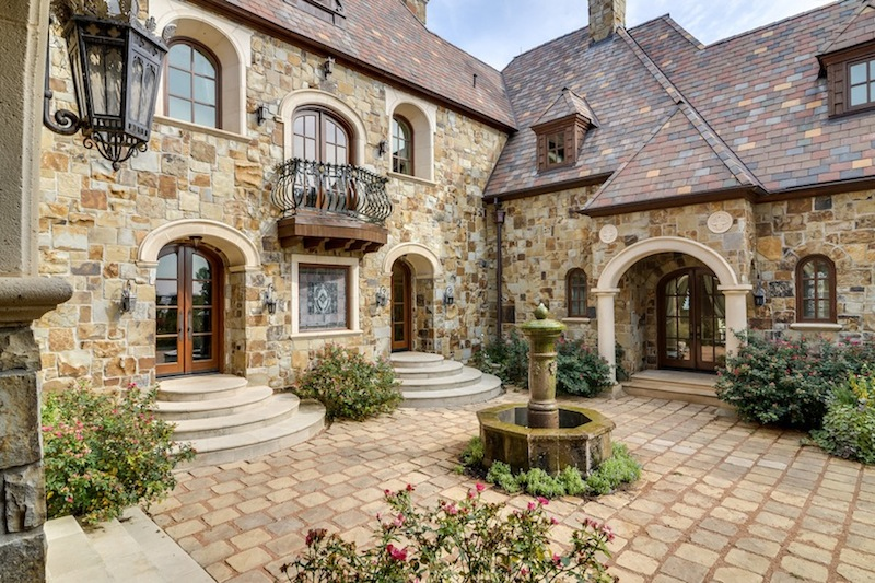 French chateau style homes for sale for Chateau home designs