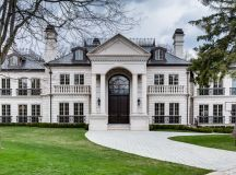 Palatial Saxony Manor