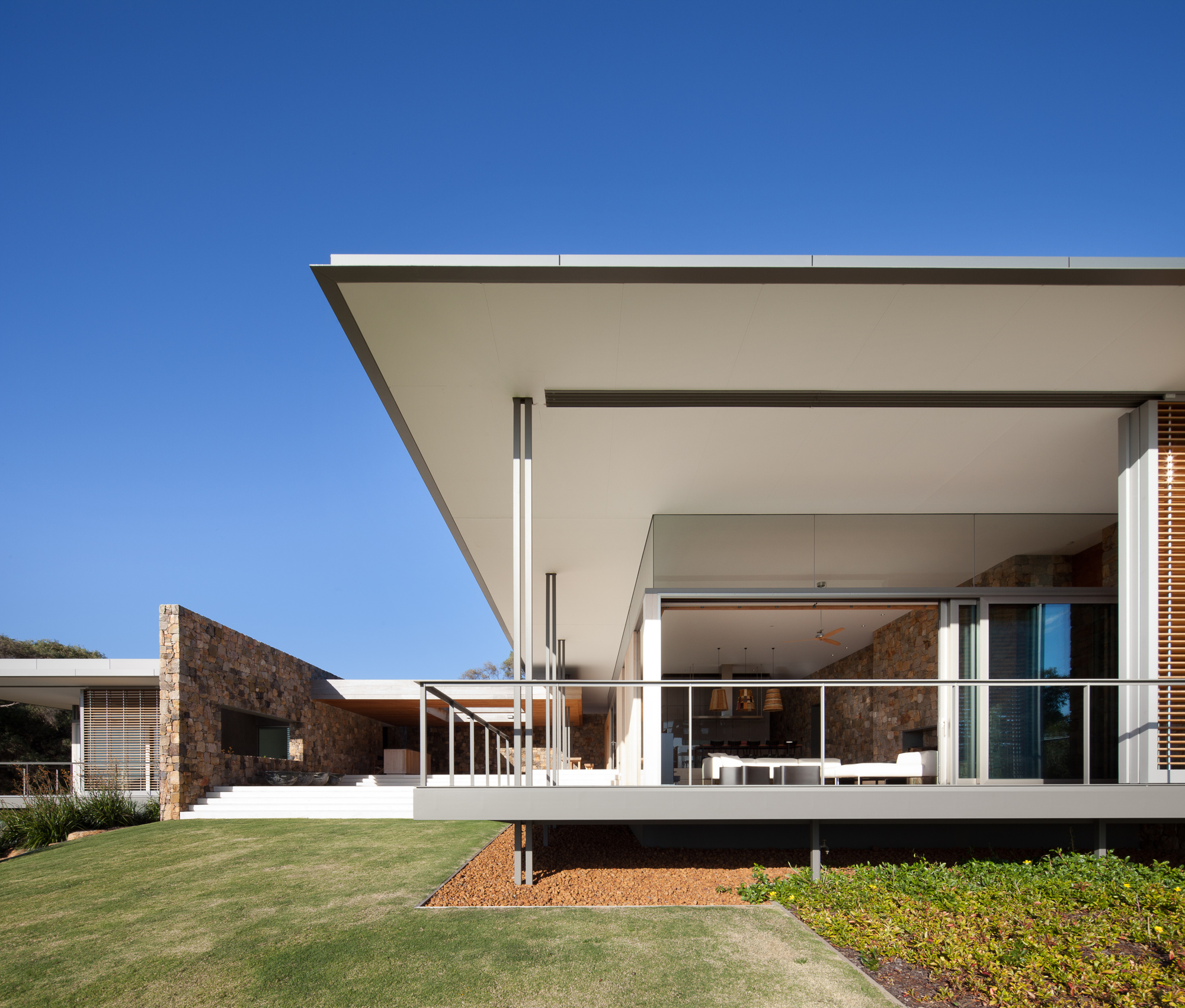 Landscaped House In South Western Australia By Tierra Design