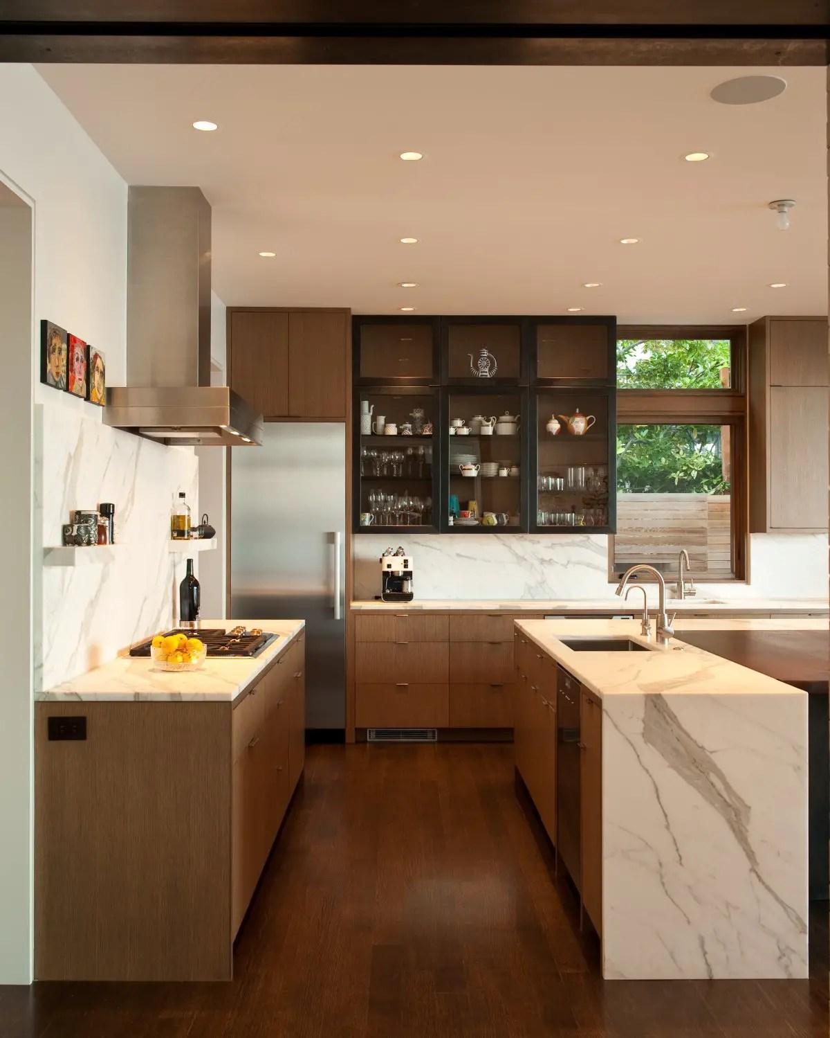 Tenuous Washington Park Hilltop Residence By Stuart Silk