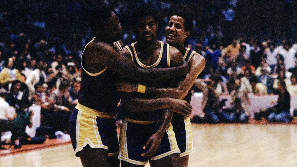 Top NBA Finals moments: Johnson steps in at center in 1980 | NBA.com