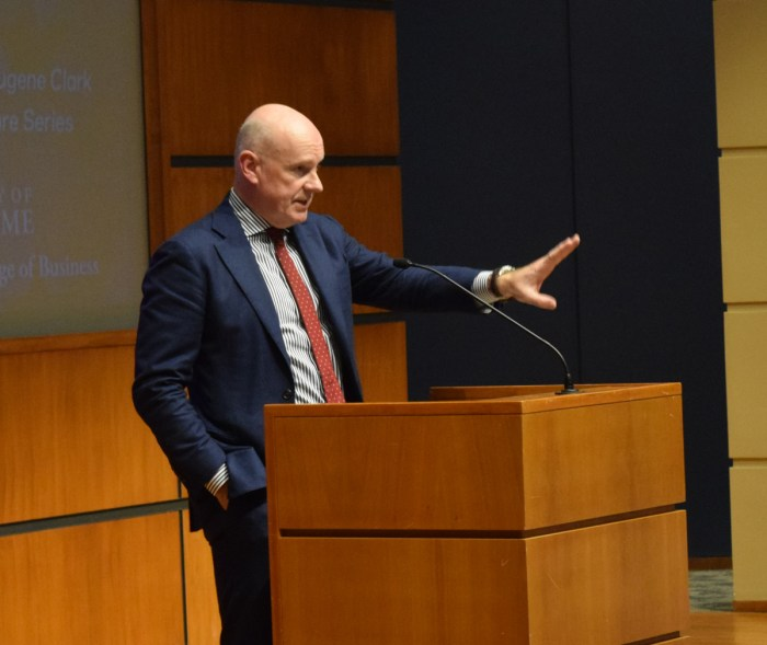 Gerard Baker speaks in the Jordan Auditorium of the Mendoza College of Business on Monday night. Baker, editor-in-chief of the Wall Street Journal, spoke on the rhetoric of the 2016 presidential election.