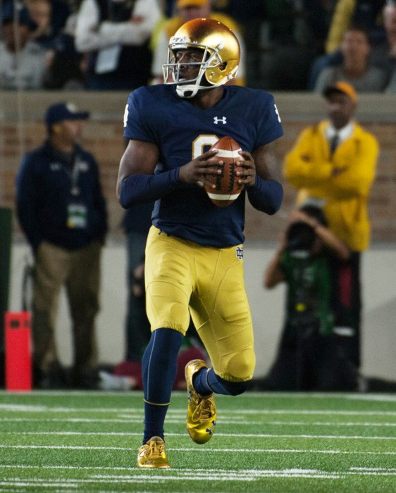 Senior quarterback Malik Zaire stands in the pocket in Notre Dame's 17-10 loss to Stanford on Saturday.
