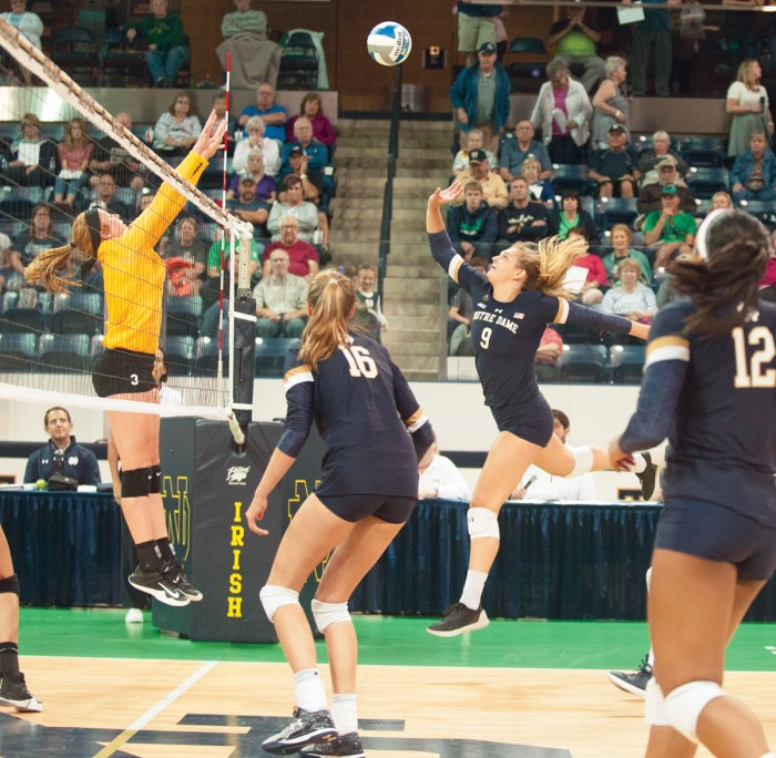 Junior outside hitter Rebecca Nunge goes in for the attack during Notre Dame's 3-1 win over Valparaiso on Aug. 25 at Compton Family Ice Arena.