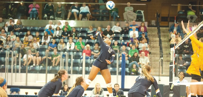 Irish sophomore outside hitter Jemma Yeadon attacks the ball during Notre Dame's 3-1 win over Valparaiso at Compton Family Ice Arena on Aug. 25.