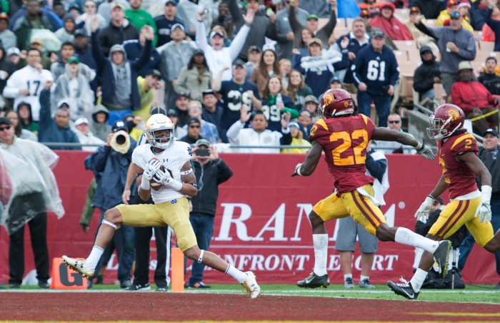 Irish sophomore wide receiver Kevin Stepherson hauls in a touchdown pass during Notre Dame's 49-24 loss to USC on Nov. 26, 2016.