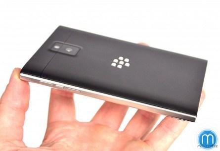 blackberry_passport_review_image_2_mobilnetcz.jpg