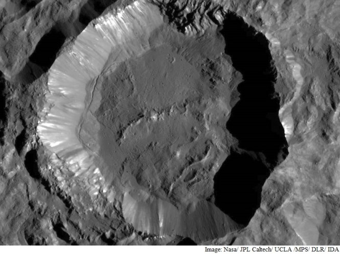 Nasa's Dawn Probe Reveals Finer Details of Crater on Ceres