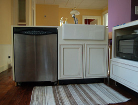 Kitchen Fixtures: Pros and Cons of Apron Sinks