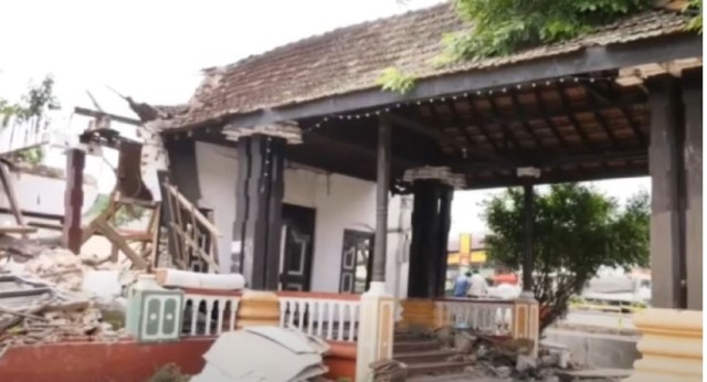 Committee to probe demolition of ancient 'Kings Assembly Hall' in Kurunegala