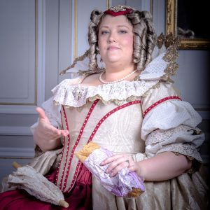 """Anne d'Autriche with a Jambon-Beurre"", or when anachronism is a kind of dissonance. Photo taken before the Fouquet's larp by Jérôme Verdier - Photographe."