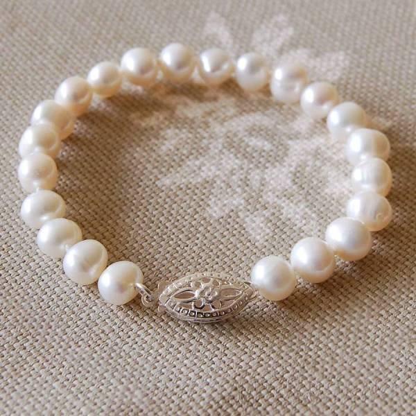 Vintage Style Pearl Bracelet Highland Angel
