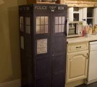dr who tardis vinyl fridge cover by vinyl revolution