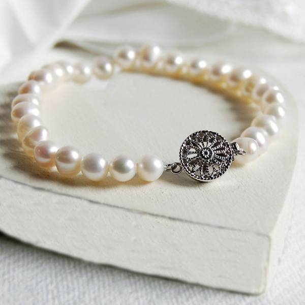 Pearl Bracelet With Vintage Style Clasp Highland